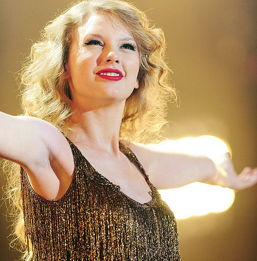 blong, red lips, smile, sparkling, swift