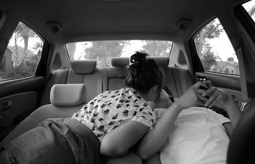 #casal , amor, beijo, black and white, carro