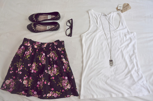 clothes, fashion, floral, girl, gleek, necklace, nerd glasses, owl, shoes, skirt, style