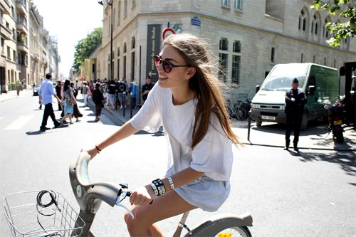Cute fashion girl street style style