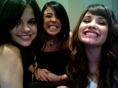 demi lovato, friends, girls , rare, selena gomez