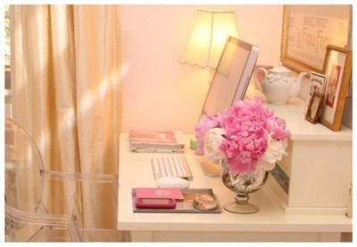 desk, flowers, fresh cut flowers, laptop, room, roses, studying, vase, workstation