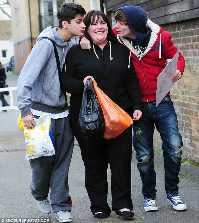 kiss, louis tomlinson, mary byrne, one direction, zayn malik