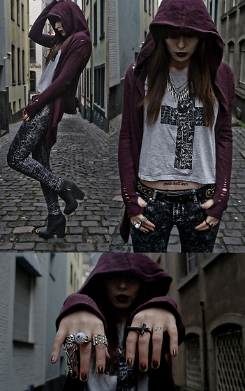 #rocker #i love it, assessorice, bad reputation, black and white, boots, clothes, cross, fashion, girl, inspiration, lookbook, photography, rings, style, tattoo