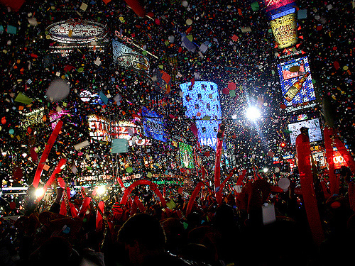 2012, celebration, city, confetti, crowd