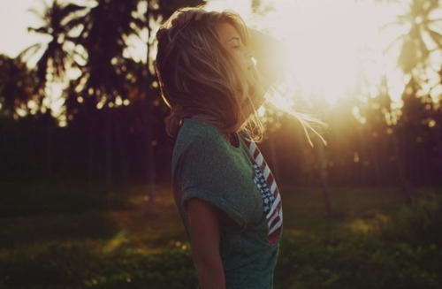 air, american, beautiful, cute, girl, hair, hot, lovely, nature, outside, photo, photograph, photography, pretty, summer, sun, sunset, t-shirt