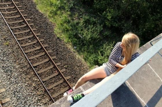 alone, amazing, blond, blonde, chucks, cute, girl, kiss, love, my house is green, nature, omg, shoes, skate, sommer, stone, summer, train