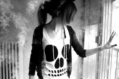 alternative, black and white, brunette, clother, cute, girl, hair, skull