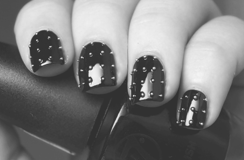 b&amp;w, black and white, black nail, black nails, fashion