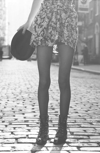 beautiful, beauty, big city, black and vwhite, boots