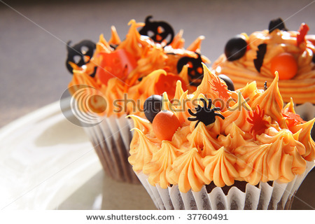 beautiful, candy, chocolate, cream, cupcakes, cute, decorate, decoration, dessert, food, food art, frosting, halloween, icing, orange, photo, photography, pumpkin, spider, sweet, swirls, tasty, three, yummy
