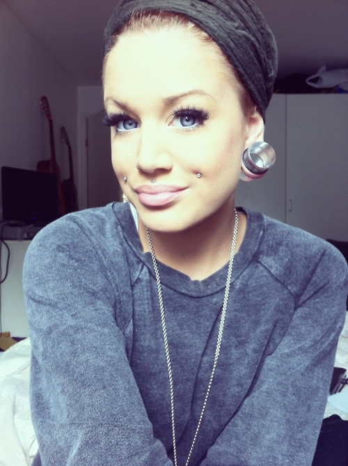 beautiful, cheek, clothes, ear strecher, eyelashes, gauges, girl, gorgeous, hair, medusa, necklace, piercing, smile, stile