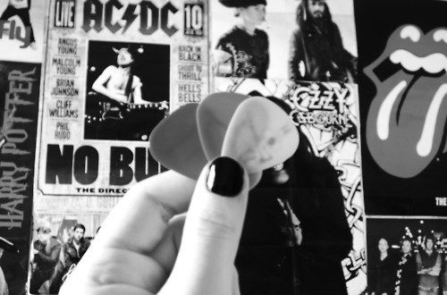 black and white, guitar pick, ozzy osbourne, pick, the rolling stones