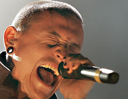 chester bennington, linkin park, sing