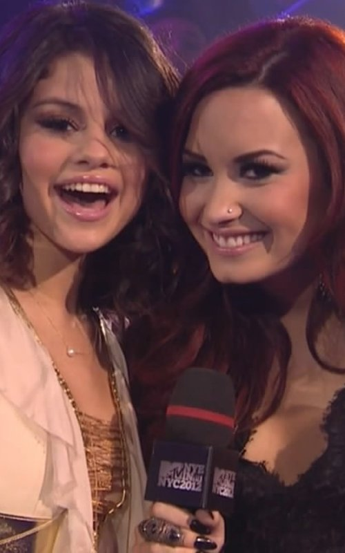 demi lovato, friends, girl, selena gomez