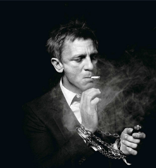 actor, black and white, chain, cigarette, daniel craig, handsome, hunk, james bond, smoker, smoking