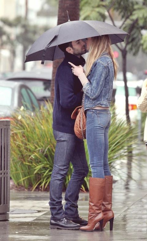 adam levine, anne vyalitsyna, asses, boy, girl, kiss, love, photography, umbrella