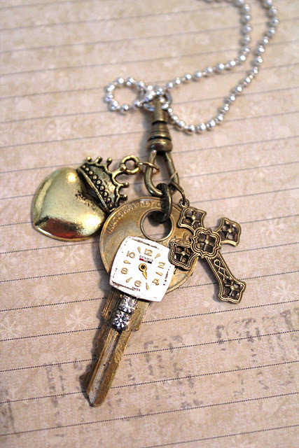 adorable, anime, beautiful, bronze, chain, charm, charms, clock, crown, cute, detailed, fancy, friendship, gold, gorogeous, heart, intricate, jewelry, jewled, lovely, lucky, necklace, old, silver, vintage