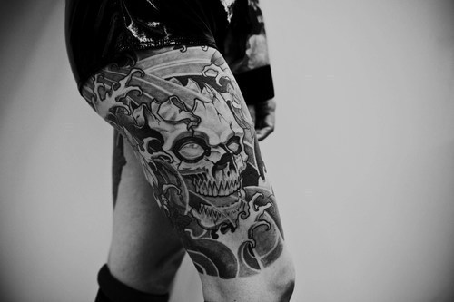 alargador, anchor, black and white, bmx, boy, cute, death cult, eyes, fashion, gauges, girl, guy, hair, photo, piercing, skate, swag, tattoo, vintage, virtu, vrtu
