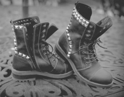 alternative fashion, b&amp;w, black and white, boot, boots