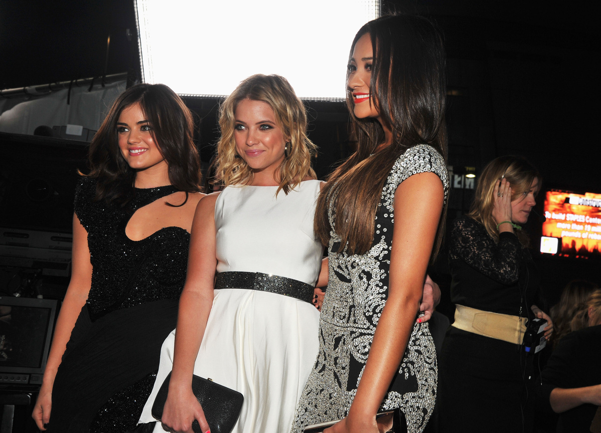 ashley benson, beautiful, friends, girls , lucy hale