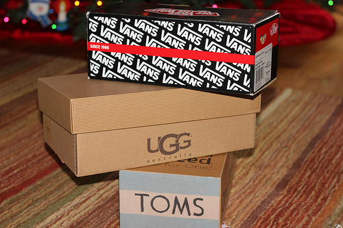 awesome, cool, love, love it, love it!, lovely, pretty, shoe, shoes, toms, ugg, vans, want