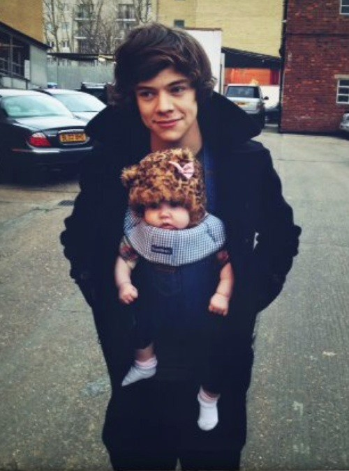 aww, cute, harry, harry as dad, harry styles, one direction