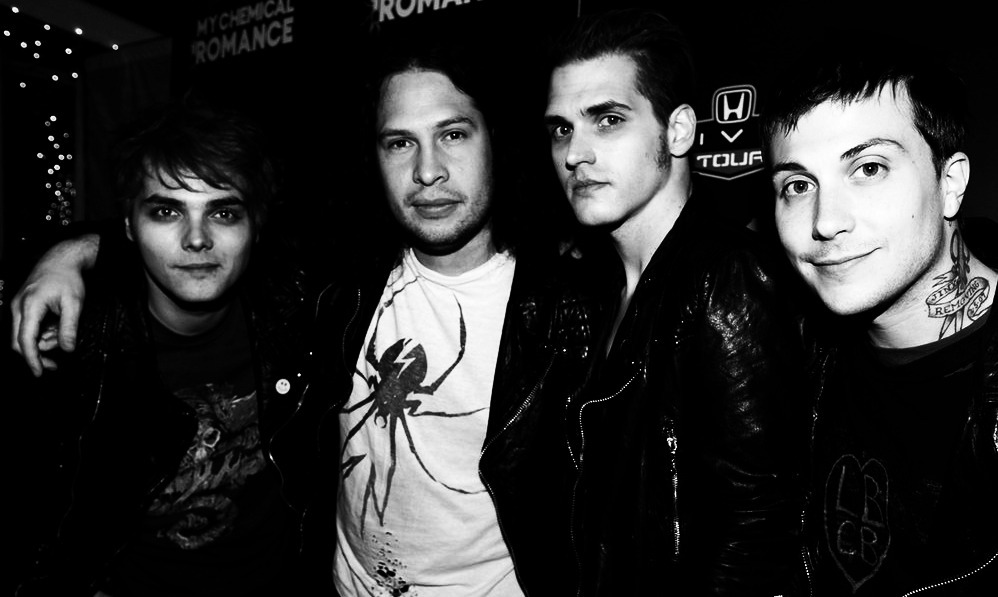 b&w, beautiful, black and white, frank iero, gee