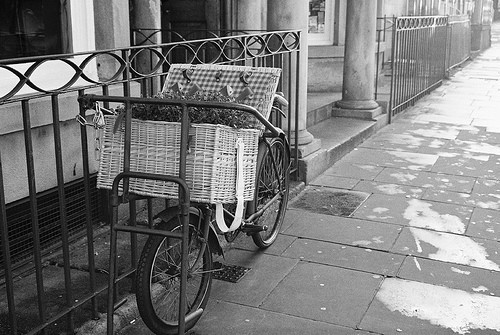 b&amp;w, black &amp; white, black and white, bycicle, city
