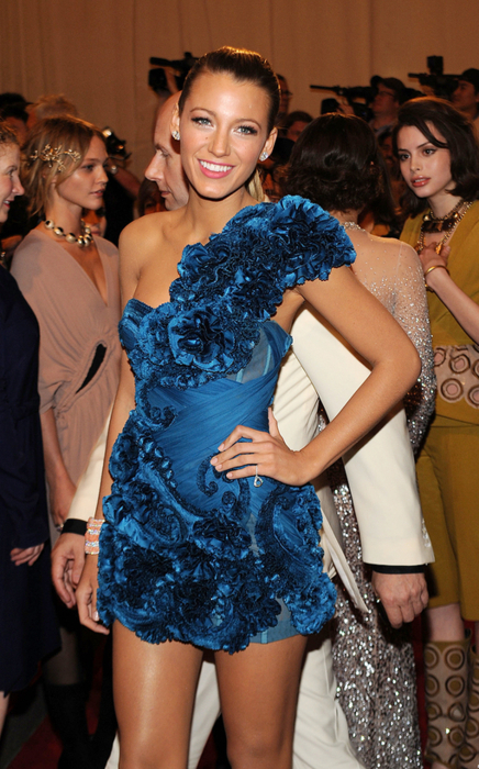 beautiful, beauty, blake lively, blonde, blue, blue dress, dress, dresses, fashion, girl, gorgeous, gossip girl, hair, hot, makeup, marchesa, party, pretty, serena, serena van der woodsen, sexy, smile, style, tan, tanned, thin