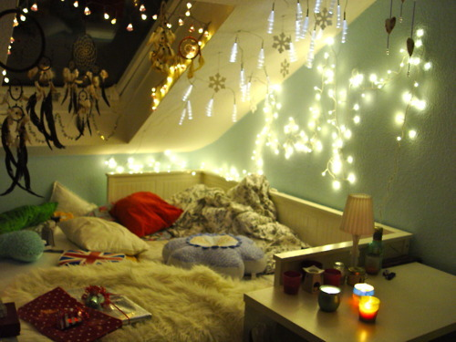 bed, candles, christmas, cozy, dreamcatcher, lights, pillow, room, snowflakes