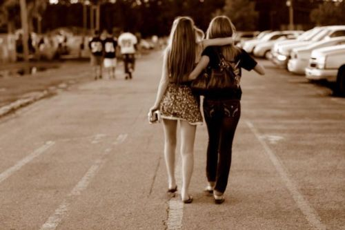 best friends, best-friends, cute, fashion, football, friends, hair, high school, long hair, outside, photography, vintage, walking