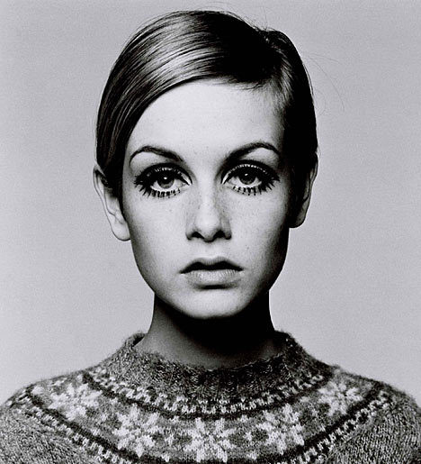 black and white, bust, eyes, fashion, icon, iconic, model, photography, portrait, short hair, sweater, twiggy