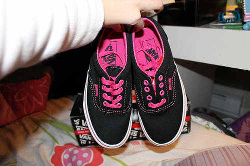 black, cute, hello kitty, love, pink, pretty, sapatos, shoes, skater, swag, vans