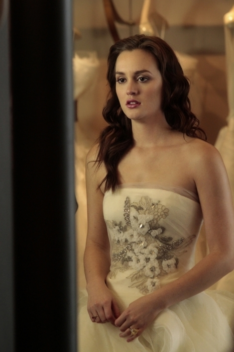 Blair waldorf fashion girl gossip girl wedding dress for Wedding dress blair waldorf