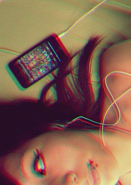 blocking out, chris brown, girl, ipod, ipod touch