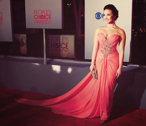 body, demi lovato, diva, dress, eyes