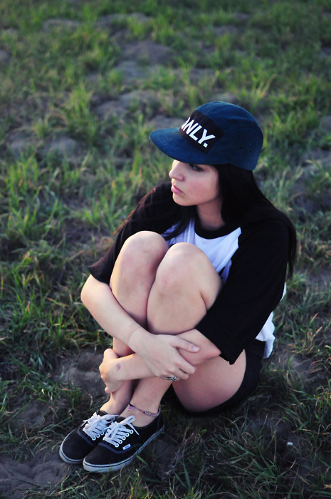 brunette, fashion, girl, grass, hat