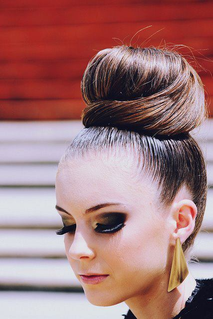 bun, cute, earrings, eyeshadow, fashion