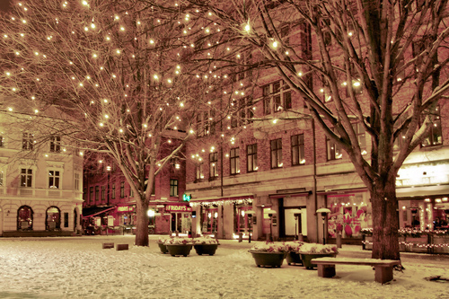 christmas, cold, cute, lights, little, little city, little town, snow, snowing, snowy, town, winter