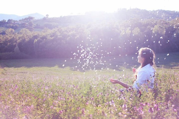 confetti, field, gaia2313, girl, hill