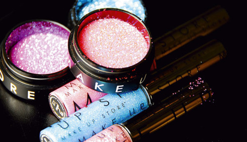 eye shadow, fashion, girly, glamour, glitter, lip gloss, make up, pretty, sparkles