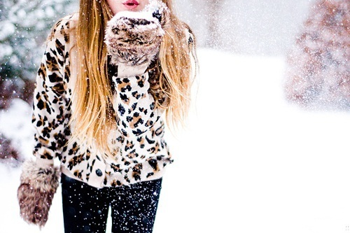 fashion, fur, girl, gloves, love, snow, winter