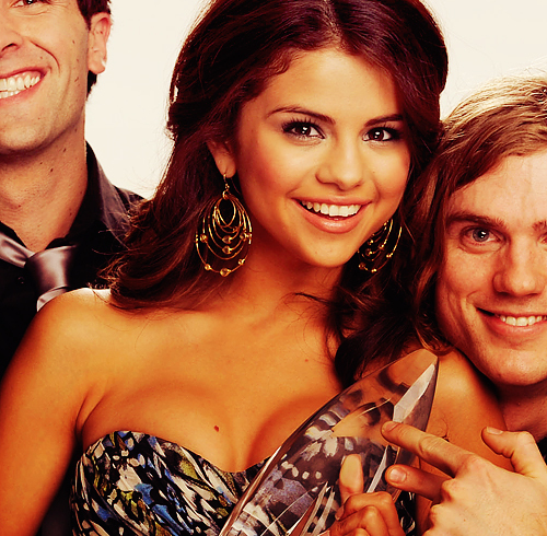 girl, meadles, selena gomez, smile