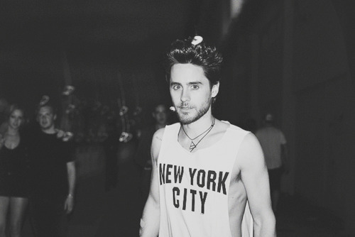 30 seconds to mars, 30stm, black and white, boy, fashion, hot, jared leto, new york city, shirt, t-shirt, top
