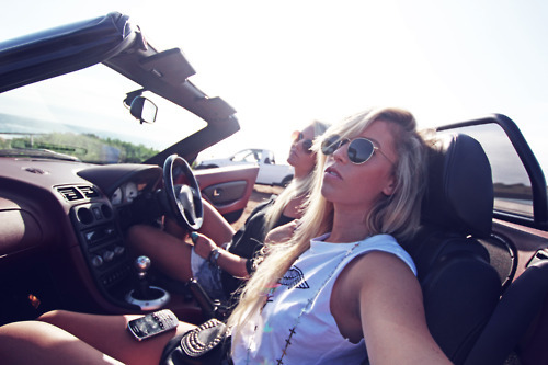 accessories, beach, blonde, car, convertable, dirtyblonde, fashion, friends, hipster, hot, indie, model, models, photography, photoshoot, rayban, raybans, road trip, roadtrip, samm christy, sea, summer, sun, sunglasses, sunlight