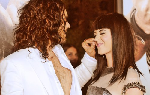 actor, amore, boy, couple, cute, famous, forever, funny, girl, katy perry, love, romance, romantic, russell brand, singer, star, sweet, together