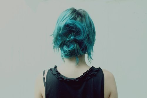 alternative, alternative girl, back, beauty, blue, blue hair, bright, cool, girl, hair, hot, messy, pretty, skinny