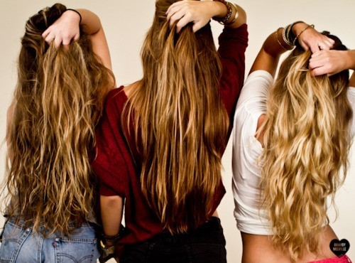 amazing, back, beautiful, blond, blonde, cabelos, curl, curly, curly hair, fashion, friends, girl, girls, hair, long, long hair, model, pretty, style