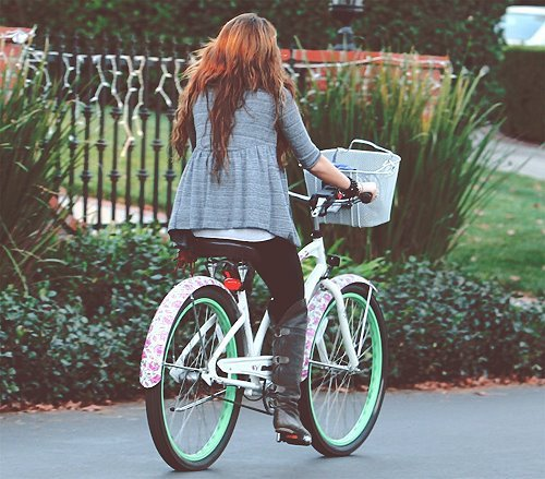 amazing, beautiful, bike, blonde, brunette, celeb, girl, style, fashion, disney, hannah montana, heart this, sweet, miley, miley cyrus, miles, pretty, love, cute, teenager, music, clothes